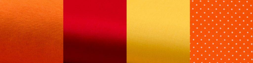 Verschiedene Baumwollstoffe: Jersey, Baumwollsatin mit mattem Glanz, Fahnentuch und Fahnentuch mit Print